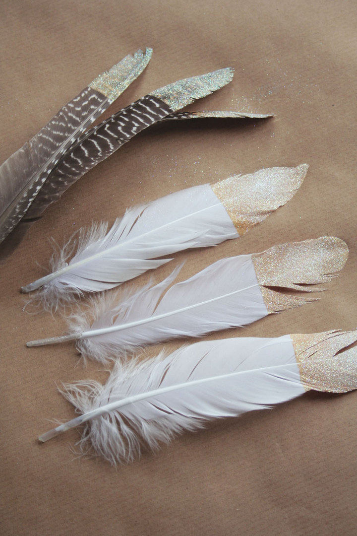 DIY Gold Dipped Feathers for Xmas