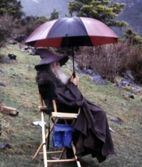 most amazing movie and TV behind-the-scenes of all time most amazing movie and TV behind-the-scenes of all time Gandalf chillin' in the rain