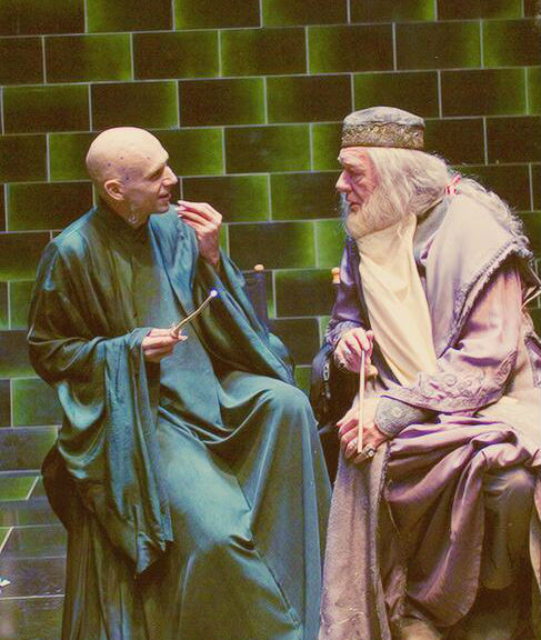 most amazing movie and TV behind-the-scenes of all time Voldemort, Bellatrix, Dumbledore, and Harry on set Voldermort and Dumbledore having a chat