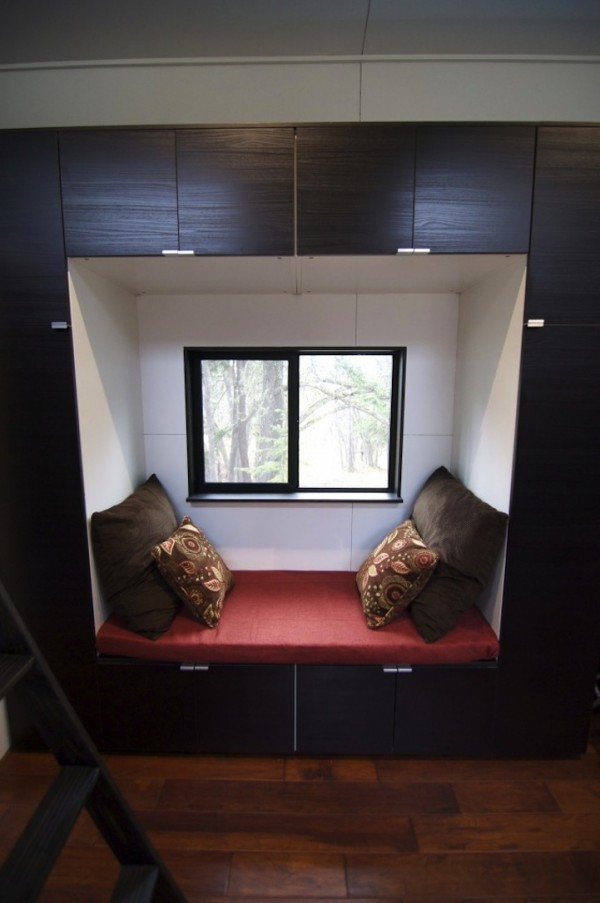 Tiny 221-Square-Foot House11